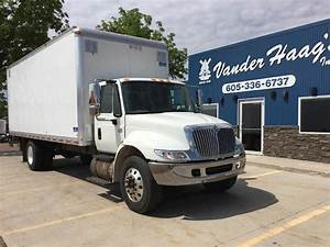 2007 International Durastar 4300 22 Ft Box Truck