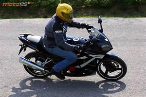 125 Daelim Roadwin : daelim roadwin 125r fi supersport hi tech low cost moto 125 cc ~ Gottalentnigeria.com Avis de Voitures