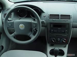Image: 2006 Chevrolet Cobalt 4-door Sedan LS Dashboard