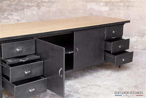 cuisine en metal comptoir grand ilôt central style indus métal bois