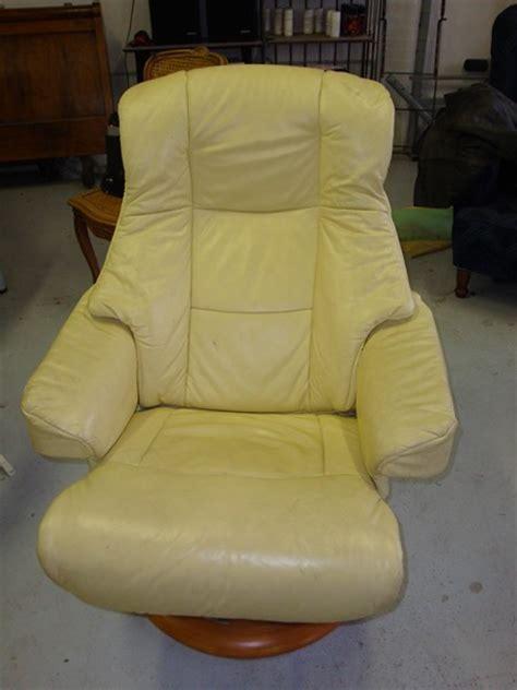 coloration canapé cuir coloration canapés fauteuils chaises et méridiennes en