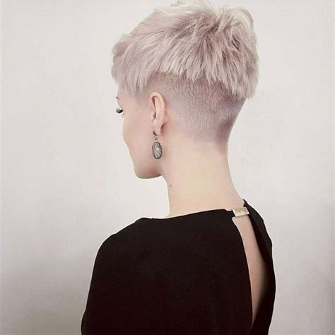 short hairstyle  page    fashion  women