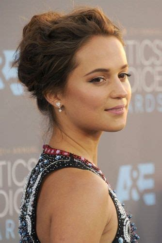 Easy Carpet Hairstyles by 14 Vikander Hairstyles Oscar Carpet Updos