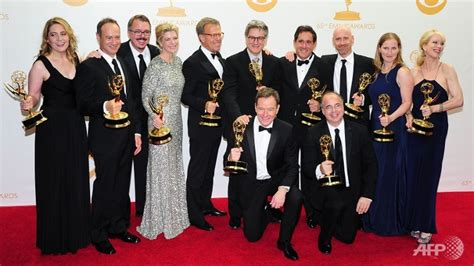 house of cards awards quot breaking bad quot wins top emmy letdown for quot house of cards