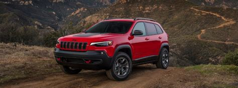 jeep cherokee trailhawk capability  power specs