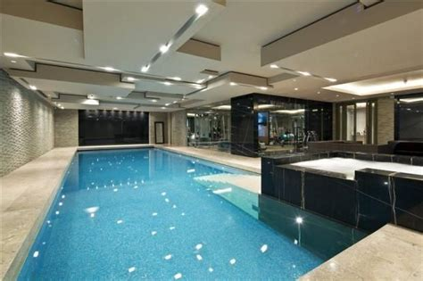 Swimming Pool And Gym-a Superb Bedroom Detached House