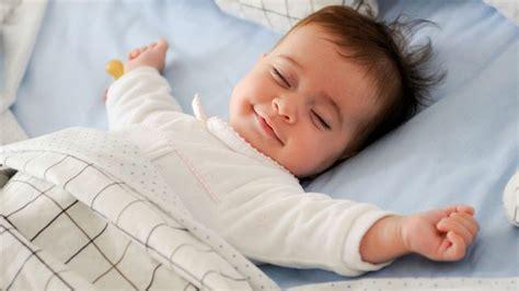 quand faire dormir bébé dans sa chambre canicule comment aider bébé à dormir malgré la chaleur