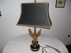 Abat Jour Lampe Sur Pied : lampe aigle en bronze de knudt sur pied en marbre noir ~ Nature-et-papiers.com Idées de Décoration