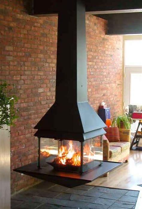 idées déco chambre à coucher la cheminée suspendue le design spectaculaire du