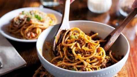 12 kārdinošas spageti receptes sātīgām ģimenes vakariņām ...