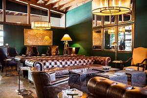 Lone Wolf Cigar Company Private Lounge