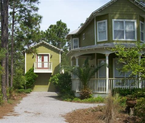 house plans with guest house guest house plans what makes a guest house plan