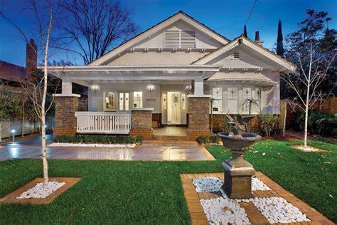 california bungalow pin by kerri tropp on bungalow prairie arts craft style homes pint