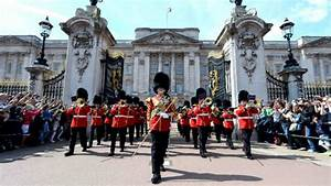 Changing the Guard at Buckingham Palace - Special Event ...