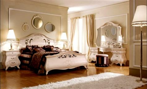 Romantic Couple Bedrooms, Normal Bedroom With Desk