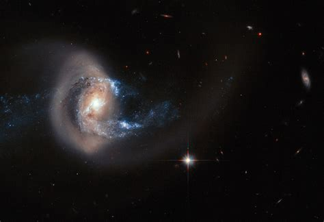 minor mergers of galaxies are important drivers of star