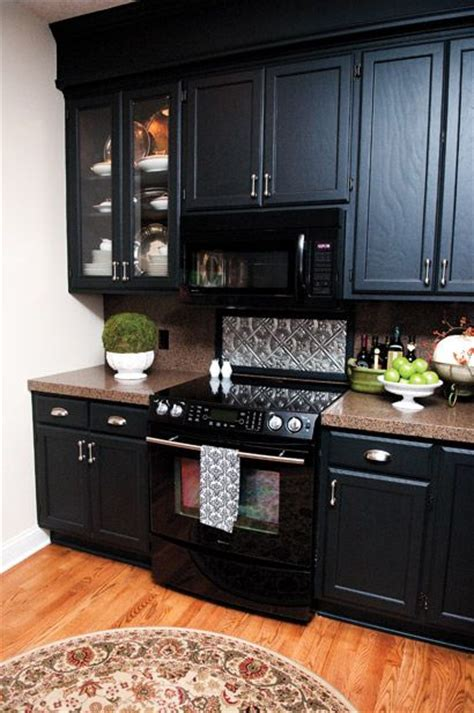 kitchen cabinet color ideas with black appliances 25 best ideas about black appliances on 9646