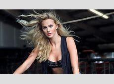 Lisa uit de polder is Miss Januari in Boerinnen Kalender