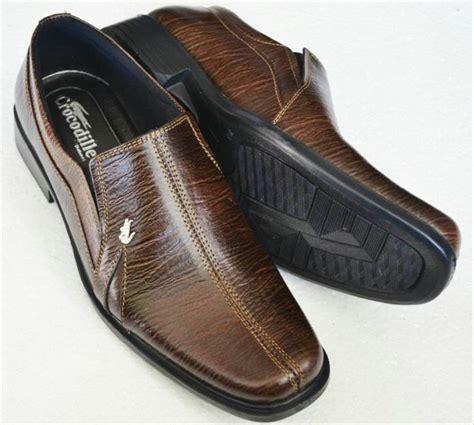 jual sepatu pantofel pria kulit asli crocodile coklat di