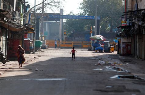 India under lockdown in pictures: Day 1 | Deccan Herald