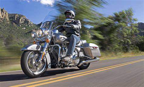 Harley Davidson Rental Rates by Harley Davidson Road King Cycle Bc Rentals Tours