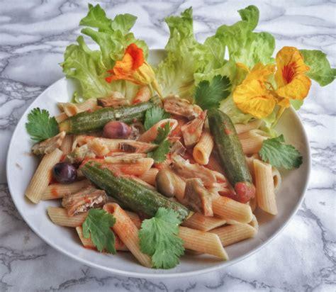 comment cuisiner un artichaut comment cuisiner l 39 artichaut 3 recettes végétales et saines