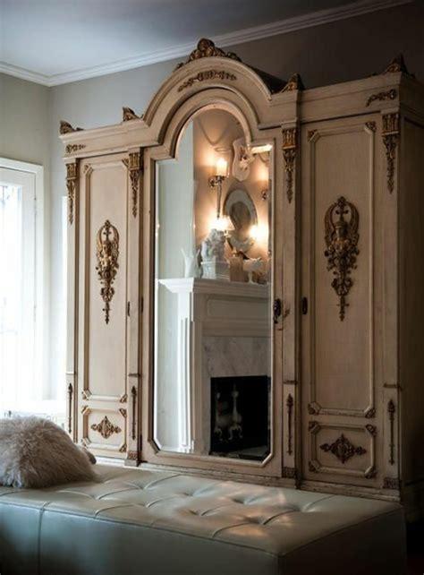 miroir chambre design comment décorer avec le grand miroir ancien idées en
