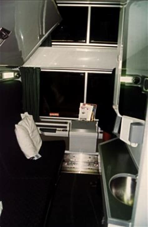 viewliner bedroom click on the thumbnail image to view the larger