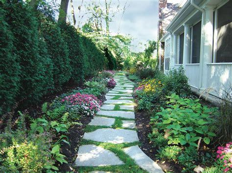 flagstone landscaping 21 nice backyard landscaping ideas with flagstone izvipi com