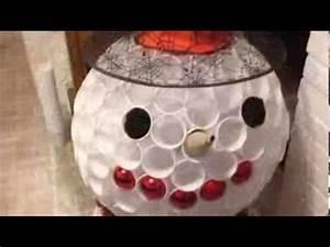 Deco De Noel Avec Bouteille En Plastique : r aliser un bonhomme de neige avec des verres en plastique youtube ~ Dallasstarsshop.com Idées de Décoration