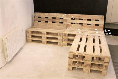 canapé d angle en palette mobilier fabriqué avec des palettes en bois meubles