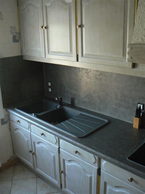 cuisine repeinte cuisine en bois repeinte en gris maison moderne
