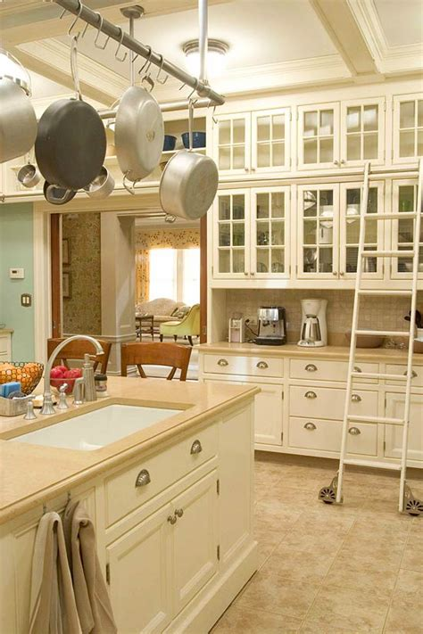 Traditional Kitchen Backsplash Ideas - design ideas for white kitchens traditional home