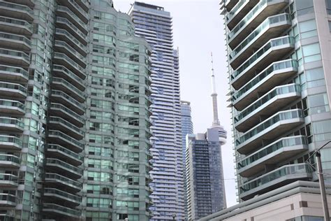 Apartment Number Canada by More Toronto Residents In Apartments Than Detached Houses