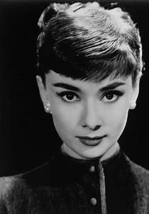 Audrey Hepburn Gets Haircut In Roman Holiday - Haircuts ...