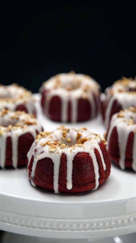 Homemade apple bundt cakes are great, but mini apple bundt cakes are even better! Red Velvet Mini Bundt Cakes | Recipe | Mini bundt cakes ...