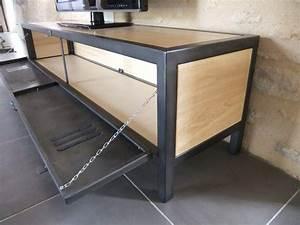 Meuble Acier Bois : meuble tv industriel bois acier avec ancienne porte de vestiaire ~ Teatrodelosmanantiales.com Idées de Décoration