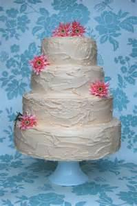 buttercream wedding cakes rustic buttercream green kitchen cakes