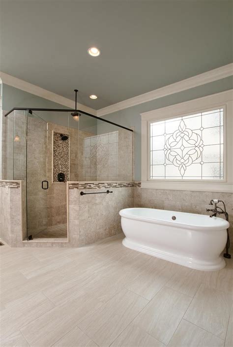 24 Luxury Master Bathrooms With Soaking Tubs