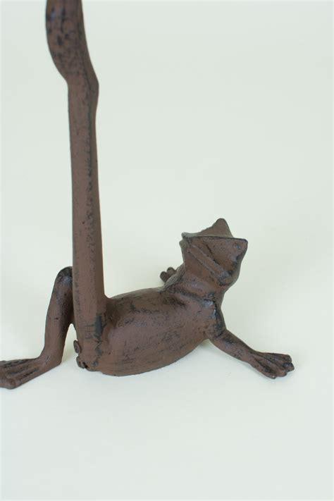 cast iron frog paper towel holder