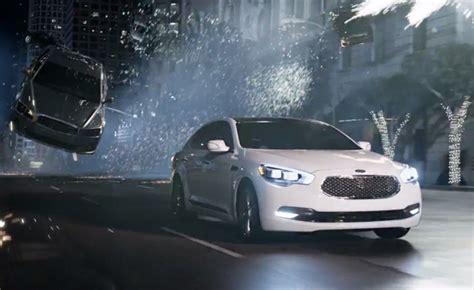 Kia K900 Stars In Matrix-themed Super Bowl Commercial