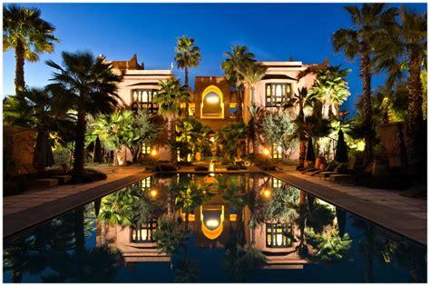 chambre royale hotel tigmiza suites pavillons marrakech maroc cap voyage