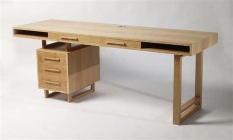 bureau massif moderne bureau 3 tiroirs en sheesham massif stockholm maisons du