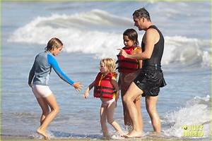 Full Sized Photo of balthazar getty beach with kids 01 ...