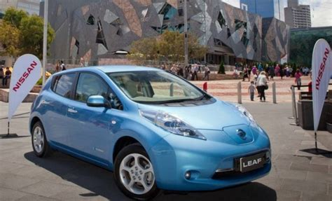 nissan leaf forum nissan leaf gets another service update my electric car