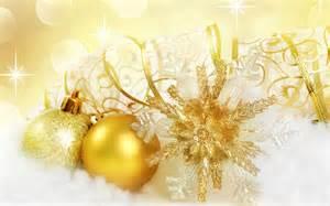 golden christmas ornaments christmas wallpaper 22229809 fanpop