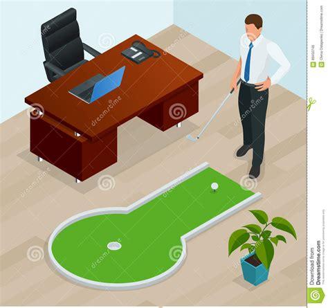 mini golf de bureau hombre de negocios que juega a mini golf en su oficina