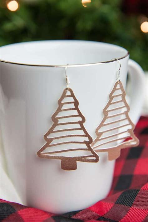 faux suede christmas tree earrings simply  fun