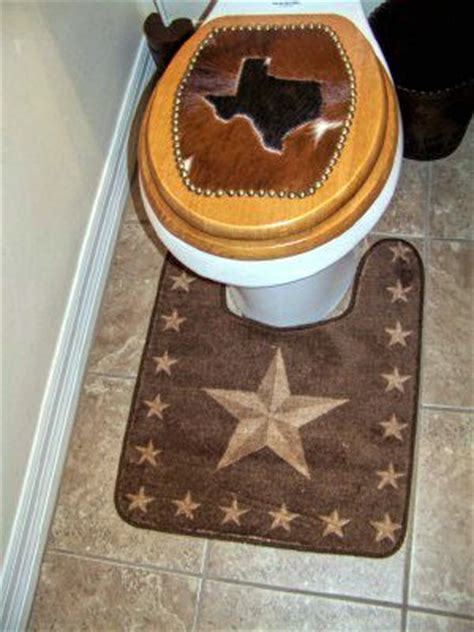 rustic star rug  put   commode