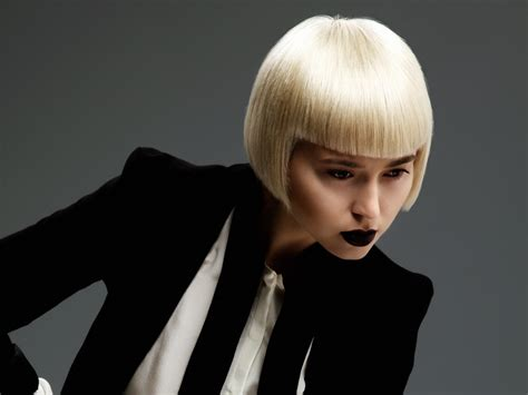 very short blonde bob with strict cutting lines